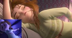 Things You Only Notice When You've Watched Frozen for the Hundredth Time Frozen And Tangled, Disney Frozen, Disney Magic, Walt Disney, Disney Secrets, The Hundreds, Cute Disney, Disney Pins, Disney Pictures