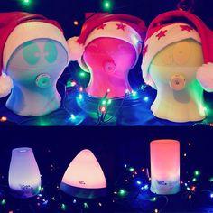 Anche da #gisawellness si respira l'atmosfera natalizia! Anche i diffusori sono pronti per le feste!  #diffusore #relax #ideeregalo #regali #aromaterapia #adottaunpolipino #cromoterapia #diffusorediaromi #diffusoreoliessenziali #natale #xmas #luci #lucidinatale #oliessenziali #feste #christmas #auguri