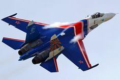 Su-27P del equipo acrobático Russian Knights de la Fuerza Aérea Rusa.