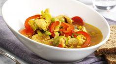 Karrigryte med kylling Thai Red Curry, Ethnic Recipes, Food, Essen, Meals, Yemek, Eten