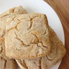 Cinnamon and Honey Biscuits: Soaked and Gluten-Free | These soaked gluten-free biscuits are moist, light, and tasty -- even after a few days. If you can get them to last that long! | GNOWFGLINS.com