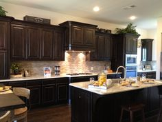 Love this kitchen backsplash! Kitchen Design Trends  www.OakvilleRealEstateOnline.com