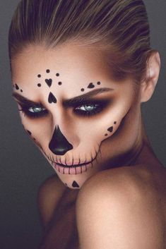 Are you looking for the most beautiful Halloween make-up .- Sind Sie auf der Suche nach den schönsten Halloween Make-up-Ideen, um am besten ein Are You Looking For The Most Beautiful Halloween Makeup Ideas To Best – the - Beautiful Halloween Makeup, Creepy Halloween Makeup, Halloween Makeup Looks, Gorgeous Makeup, Scary Halloween, Halloween Party, Pretty Skeleton Makeup, Skeleton Face Makeup, Perfect Makeup