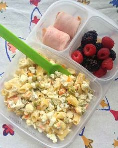 Buzzfeed: 6 Ways to Pack Nut Free Lunches Like a Boss!