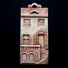;) Clay Houses, Ceramic Houses, Ceramic Clay, Ceramic Pottery, Pottery Art, Art Houses, Clay Projects, Clay Crafts, Haunted Dollhouse