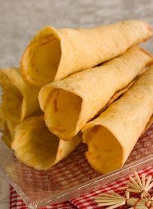 Julekaker - 7 slag til jul - melk. Scandinavian Food, Snack Recipes, Snacks, Chips, Ethnic Recipes, Snack Mix Recipes, Appetizer Recipes, Potato Chip, Potato Chips