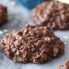 These NO BAKE COOKIES are a classic, and this recipe is even better made with BR. - No bake cookies - Chocolate Baking Recipes, Cookie Recipes, Dessert Recipes, No Bake Recipes, Fudge Recipes, Drink Recipes, Easy Recipes, Easy Desserts, Delicious Desserts