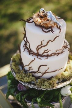 enchanted forest wedding cake from Frills Cake Shop // photo by Rachael Grace Photography