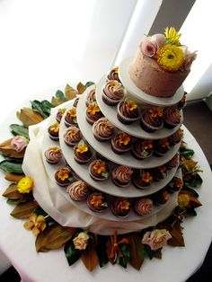 Fall Wedding cake and cupcakes. love the cupcake stand, if we had cupcakes.   hmm cupcakes vs sheet cake