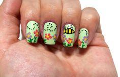 Bumble bee nail art. Inspired by Sara Beauty Corner.