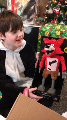 Cool I wish I had this animatronic Foxy the pirate fox action figure ITS SO COOL Drawing Pictures For Kids, Drawing Ideas, Fnaf Cosplay, Memes Arte, Fnaf Wallpapers, Freddy 's, Fnaf Characters, Fnaf Drawings, Freddy Fazbear