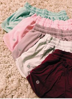 Sporty Outfits, Athletic Outfits, Lazy Outfits, School Outfits, Outfits For Teens, Spring Outfits, Athletic Wear, Lululemon Shorts, Lulu Lemon