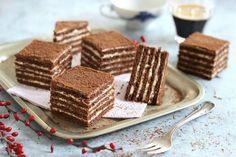 A Marlenka az örmények mézes krémese. Készülhet kakaós vagy diós tésztával is, az alapját mindenképp a mézes... A Food, Food And Drink, Individual Cakes, Hungarian Recipes, Cookie Desserts, Oreo, Sweet Tooth, Deserts, Food Porn