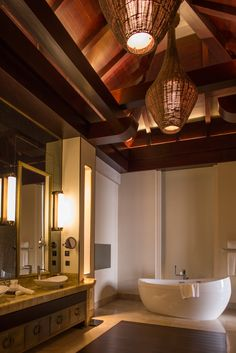 Wilson Associates Residential Bathroom