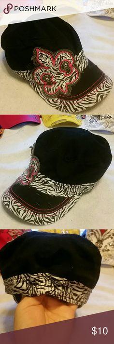 💘 20% off 2 💖 30% off 3 💕 💟💖 Leader Original vintage Fleur-de-lis hat, black with zebra print, hot pink & bling 💖💟 Leader Original vintage Accessories Hats