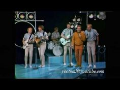 """Andy Williams and The Beach Boys singing """"Little Cycle (Little Honda)""""  Music by Brian Wilson and Lyrics by Mike Love,  The Andy Williams show (February 14, 1966)  リトル・サイクル(リトル・ホンダ)アンディ・ウィリアムス、ザ・ビーチ・ボーイズ、  作詞:マイク・ラヴ 作曲:ブライアン・ウィルソン、  アンディウィリアムスショー(1966年2月14日)"""