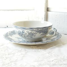 vintage soup cup and saucer Crown Ducal Bristol by minoucbrocante, €17.50