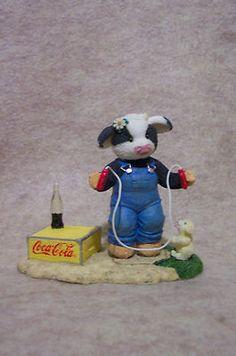 Cheerful Life of Coke Coca Cola Moo Moo Homemade***** Coca Cola History, World Of Coca Cola, Cow Tales, Cow Ornaments, Pepsi Logo, Coca Cola Kitchen, Cocoa Cola, Kimberly Ann, Coca Cola Christmas