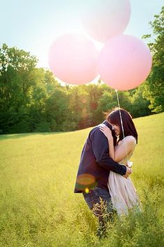 giant pink balloons for maternity shoot