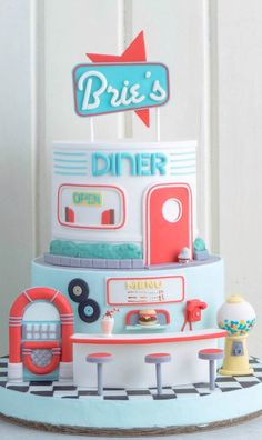 Diner Cake Shared by Carla Pretty Cakes, Cute Cakes, Beautiful Cakes, Amazing Cakes, Diner Party, Retro Party, Unique Cakes, Creative Cakes, Fondant Cakes