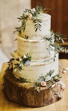 Three tier semi naked wedding cake decorated with fresh rose buds and foliage. P… Three tier semi naked wedding cake decorated with fresh rose buds and foliage. Photography by Anna Urban Wedding Cake Decorations, Wedding Cake Designs, Wedding Themes, Wedding Events, Our Wedding, Dream Wedding, Wedding Ideas, Perfect Wedding, Mr And Mrs Wedding