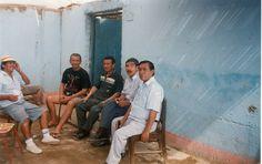 Con unos buenos amigos, Otto, MIlton, Juan y otro en Ica, Perú.