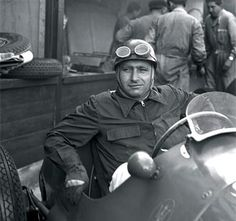 Juan Manuel Fangio  fue un automovilista de velocidad argentino. Es considerado uno de los mejores pilotos del automovilismo mundial de todos los tiempos por haber logrado cinco títulos mundiales de Fórmula 1 durante las temporadas de 1951, 1954, 1955, 1956 y 1957