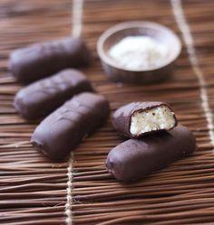 Barre chocolatée à la noix de coco façon bounty maison - Ôdélices : Recettes de cuisine faciles et originales ! - DIY bounty recipe
