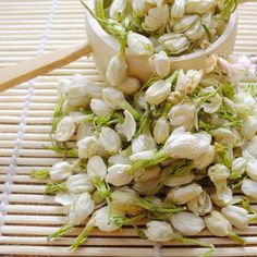 $17.40 (Buy here: https://alitems.com/g/1e8d114494ebda23ff8b16525dc3e8/?i=5&ulp=https%3A%2F%2Fwww.aliexpress.com%2Fitem%2F2016-New-100-Natural-Freshest-300g-Jasmine-Flower-Tea-Seasoned-Newest-Skin-Beauty-loose-Jasmine-Flower%2F32719842345.html ) 2016 New 100% Natural Freshest 300g Jasmine Flower Tea Newest Skin Health Beauty Loose Jasmine Flower Tea Cheaper Price for just $17.40