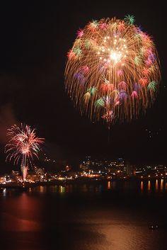 Fireworks in Unzen, Nagasaki, Japan 雲仙