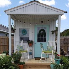 17 Fabulous She Shed Ideas You'll Want to Escape to! shed design shed diy shed ideas shed organization shed plans Craft Shed, Diy Shed, Backyard Sheds, Backyard Landscaping, Backyard Office, Backyard Cottage, Garden Sheds, She Shed Decorating Ideas, She Shed Interior Ideas