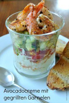 AVOCADOCREME MIT GEGRILLTEN GARNELEN #Rezept #Snack #Vorspeise #Garnelen #Avocado