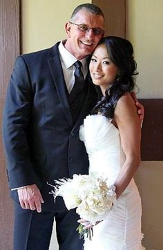 On May 10, 2012, Gail Kim married celebrity Chef Robert Irvine in Napa Valley, California.