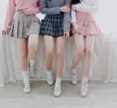 Resultado de imagem para school girl aesthetics