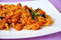 Pasta al sugo di zucca e olive
