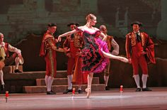 Joffrey Ballet Chicago's Don Quixote Review. I wanted to see this so bad! I saw billboards for it most every day!