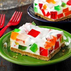 """""""When it's cut this dessert looks like stained glass windows,"""" remarks Kathy Crow of Cordova, Alaska. Cold Desserts, Great Desserts, Delicious Desserts, Yummy Food, Healthy Desserts, Dessert Ideas, Christmas Desserts, Christmas Baking, Broken Glass Jello"""