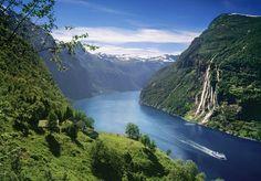 unesco-geirangerfjord-skagefla-waterfall_bd5e3234-a7f8-4616-a6cf-ed8a4a1fab9e.jpg (5500×3823)