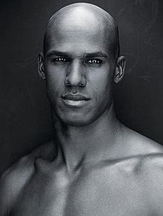 oo sexy black man!