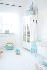 クールビューティー!水色と白の子供部屋