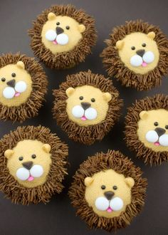 We are loving these lion cupcakes for a safari-themed baby shower.