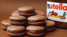 Nutella Macarons (Chocolate Hazelnut French Macarons) : 4 Steps (with Pictures) Nutella Macaroons, Desserts Nutella, French Macaroons, Macarons Chocolate, Delicious Desserts, Dessert Recipes, Chocolate Smoothies, Chocolate Shakeology, Nutella Cookies
