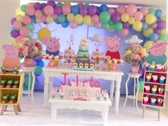 Party decoration ideas: 30 decoration ideas for Peppa Pig Party - Wanderlust Birthday Event Ideas, 4th Birthday Parties, Birthday Party Decorations, 3rd Birthday, Invitacion Peppa Pig, Bolo Da Peppa Pig, Baloon Garland, Fiestas Peppa Pig, Pig Birthday Cakes