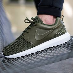 Leather and Flyknit give the Nike Roshe a level of luxury like never before.  Get a detailed look at this upcoming release on SneakerNews.com