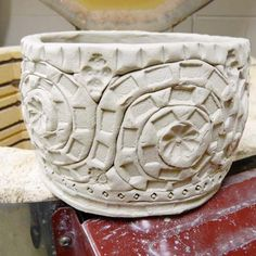 Awesome site with some great tutorials like this coil cup!  Julianna Kunstler