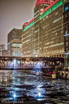 Icy Chicago River by the Merchandise Mart, by Raf Winterpacht on 500px