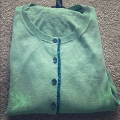 """BR Cashmere Blend Cardigan Beautiful sage green Banana Republic cardigan. 90% cotton, 10% cashmere. So soft! In like new condition. No pilling or wear.   Length: 23.5"""" Bust: 17"""" Sleeves: 24"""" Banana Republic Sweaters Cardigans"""