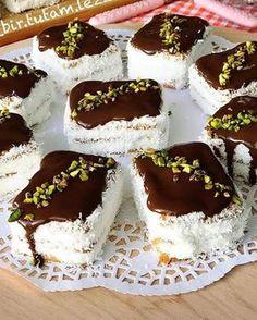 Yapması çok kısa bir süre alan pratik bir pasta aynı zaman da çok lezzetli kaydetmeyi ve yorum yapmayı unutmayın canlarim💗…