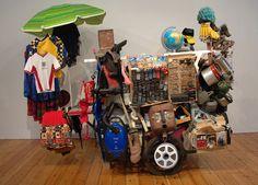 Romuald Hazoumé «  ARTicle 14  débrouille-toi, toi même» 2005, Installation, médias divers Londres