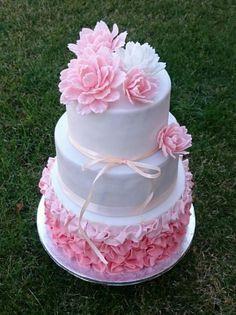 Wedding cake by AndyCake - http://cakesdecor.com/cakes/298520-wedding-cake
